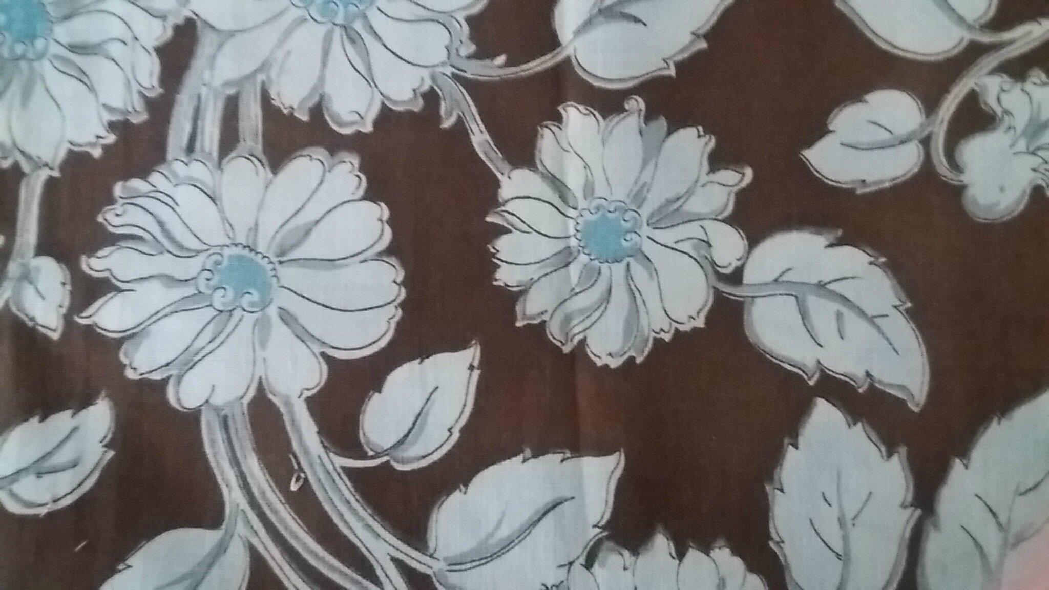 257 joli tissu ancien vintage Tons de brun, turquoise et gris perle sur fond ecru