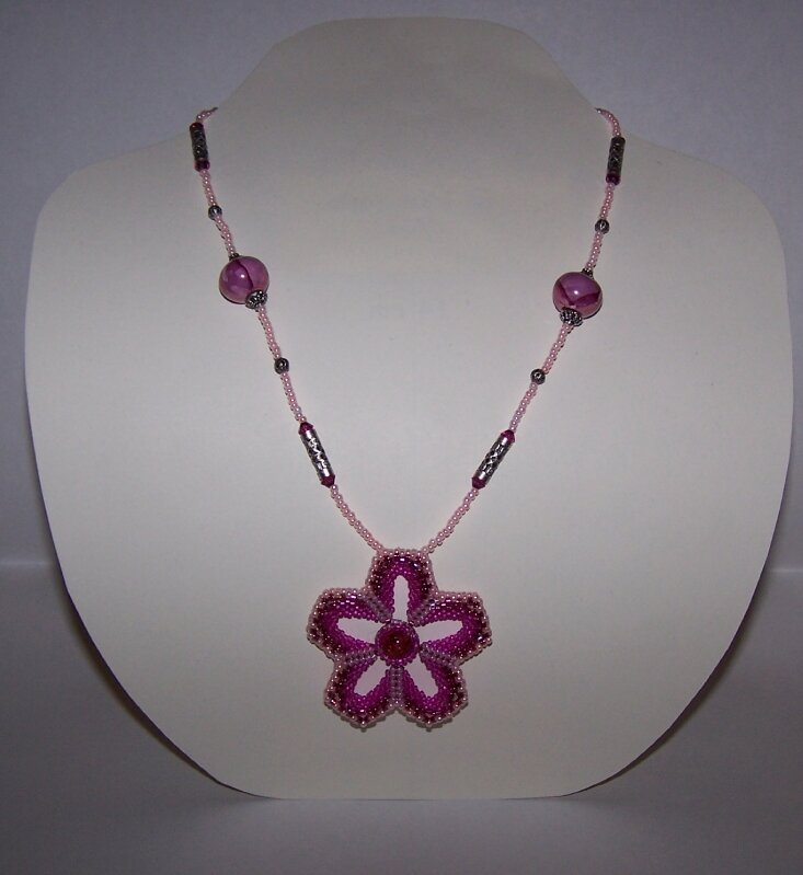 Collier FP fuschia