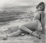 1951_Anthony_Beauchamp_pin_up_beach_052_010_1
