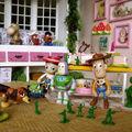 Quand les enfants ne sont pas là, les jouets s'animent!
