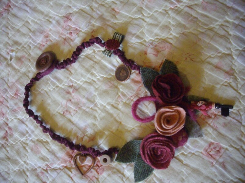 collier roses lainage 002