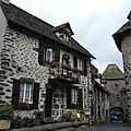 Salers, maisons