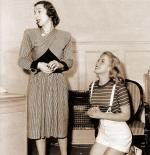 1947-marilyn_with_Helena_Sorell-by_dave_cicero-021-1