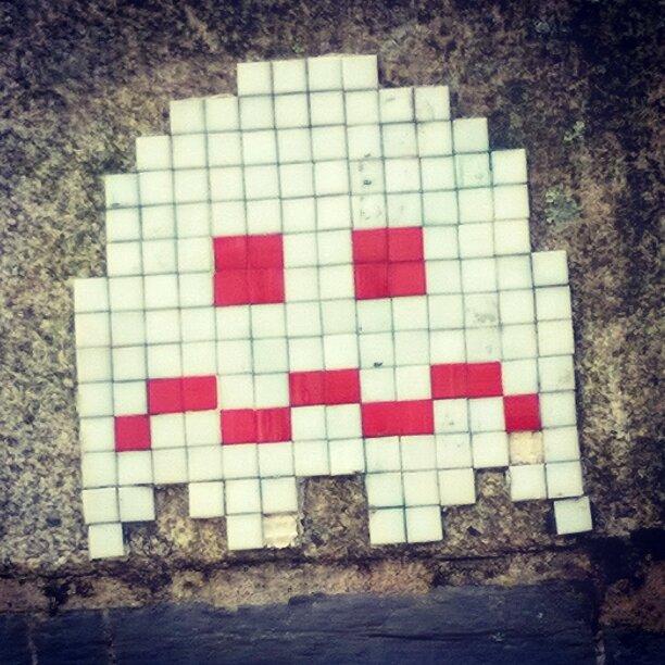 Fantôme-Pacman-Mosaïque-street-art-nantes