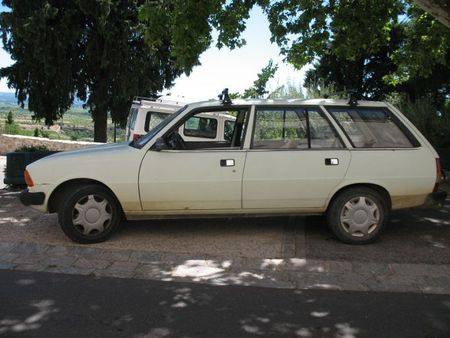 Peugeot305GLbkprof