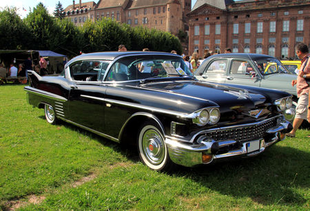 Cadillac_series_62_hardtop_coupe_de_1958__8_me_Rohan_Locomotion__01