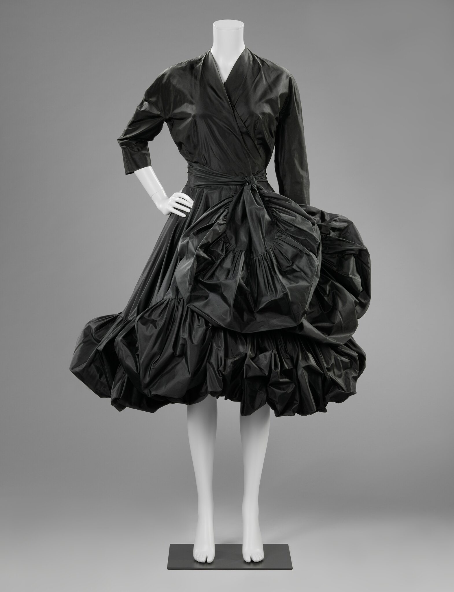 Cocktail dress, Cristóbal Balenciaga (1951-1952)