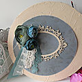 Shabby chic mixed media canvas / toile ronde shabby chic (mixed media)