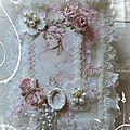 Un Somptueux Lace Book