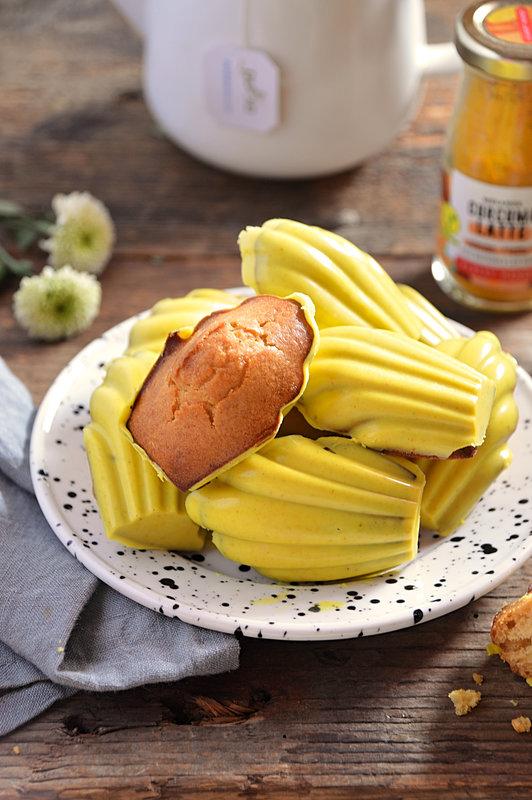 madeleines au miel IG bas glaçage chocolat blanc curcuma