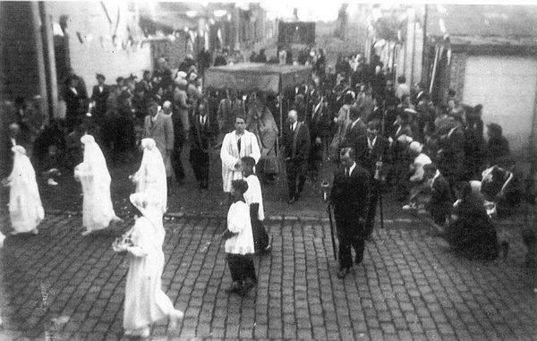 SAINS DU NORD - Procession