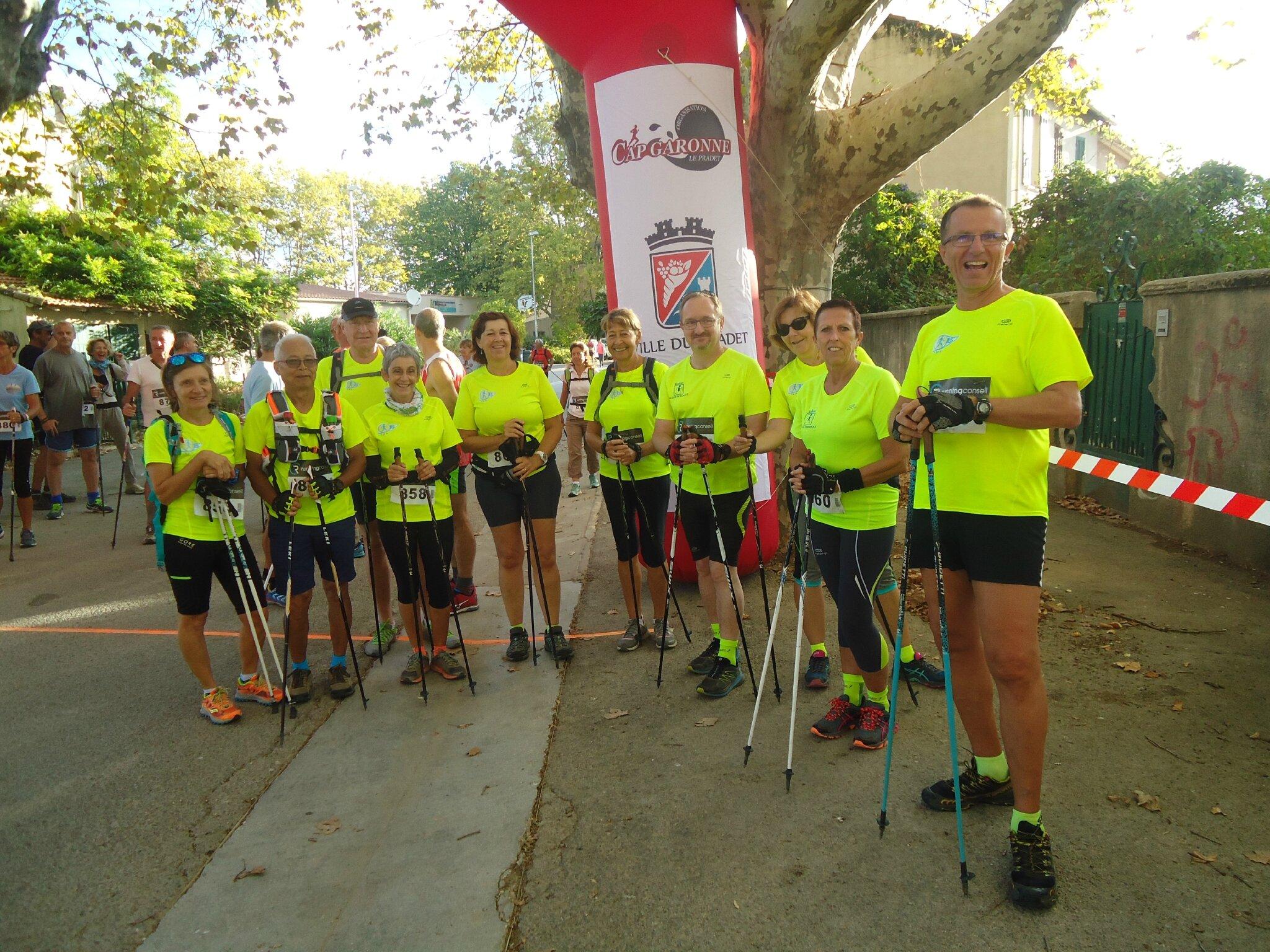 11 participants de Toulon Marche Nordique à l'Ecotransbleue du Pradet