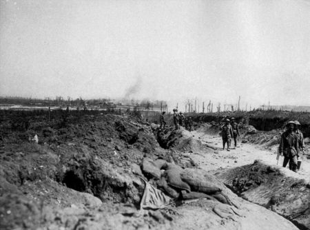 800px_Road_to_Pozieres_August_1916__AWM_EZ0084_