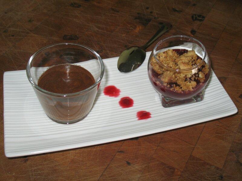 Mousse au chocolat et crumble
