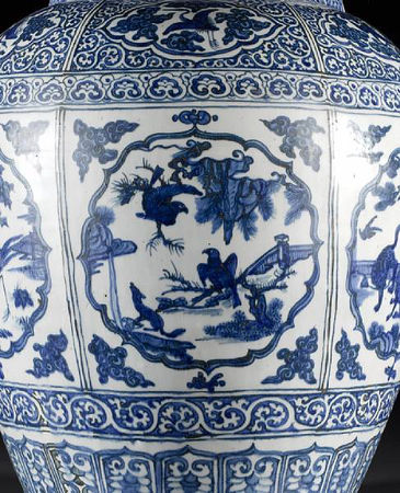 A_large_and_impressive_Ming_oviform_vase6
