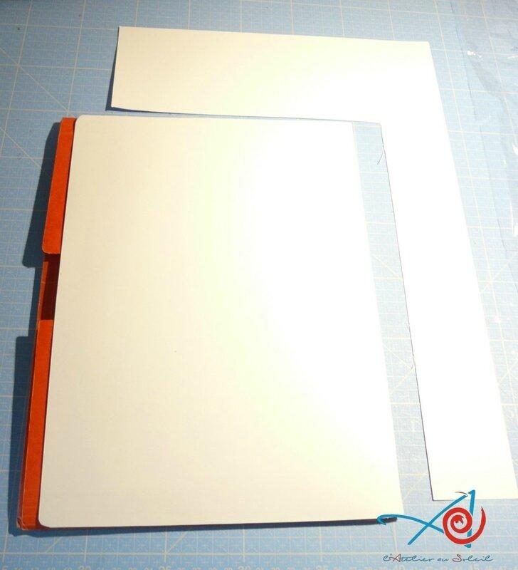 Pochette cartonnée avec feuille blanche (Copier)
