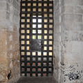 Loches (fort : porte des cachots)