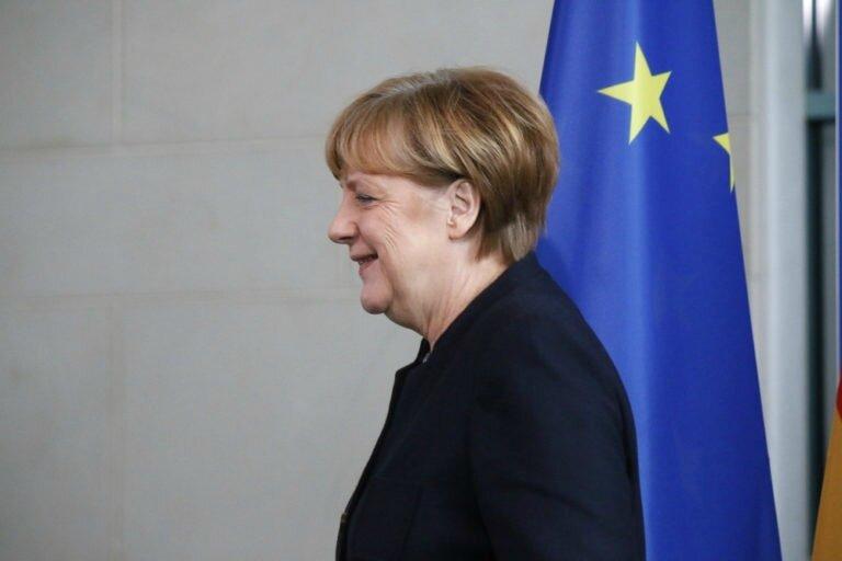 Photo-Merkel-68x512