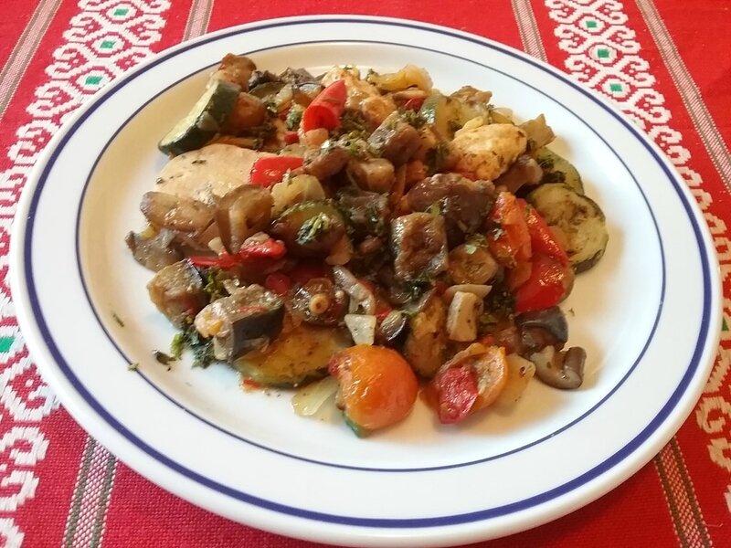 Poêlée provençale de légumes et champignons au poulet1