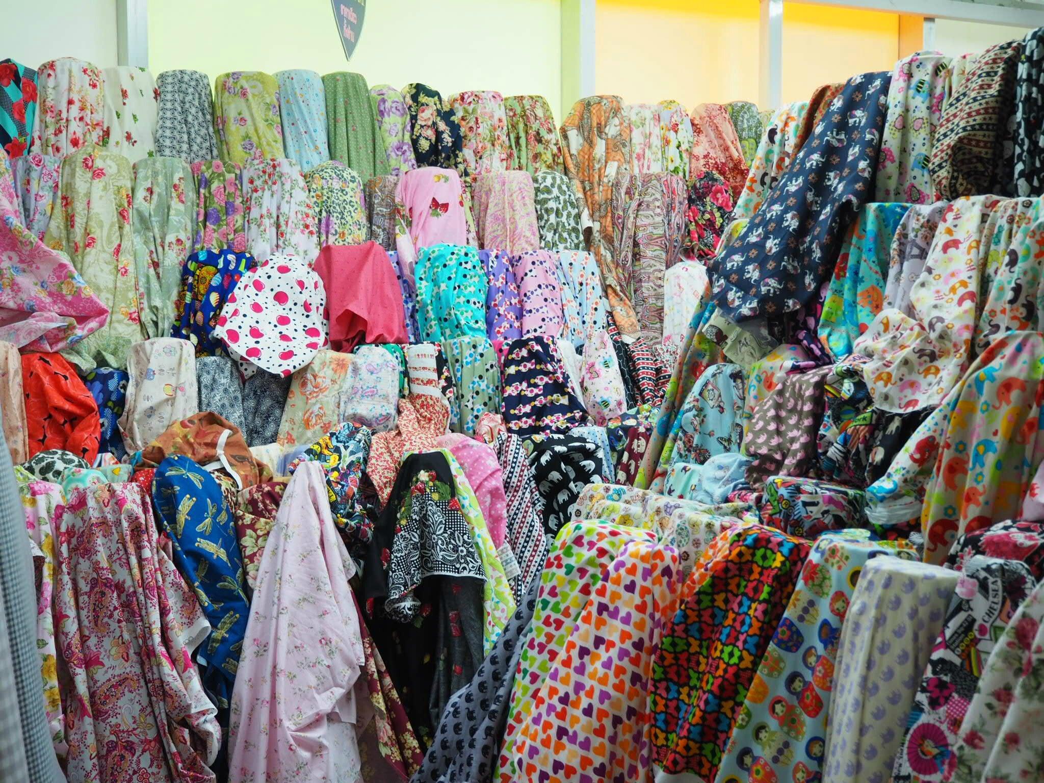 Phahurath Market - le grand bazar de tissus !!