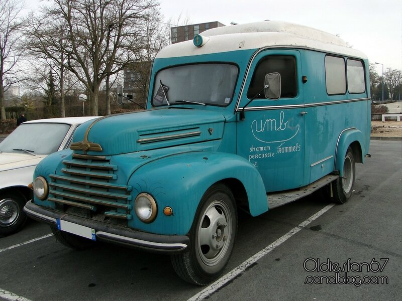 ford-fk-g39t-3500-ambulance-1955-01