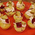 Mini cupcake de noël aux saveurs du sud-ouest: magret de canard fumé, piment d'espelette et poire.