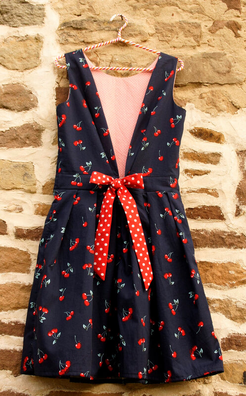robe glamour cintre 00