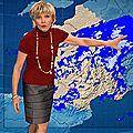 Evelyne Dhéliat jupe grise haut rouge 2020 07 12 10