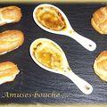 Trio d'amuses-bouche : petits choux foie gras / abricots secs, crème brûlée au foie gras, éclairs au saumon
