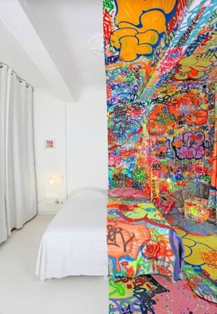 graffiti-hotel-marseille-500x722