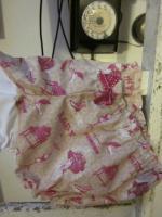 Culotte BIANCA en coto imprimé accessoires de filles rose sur fond beige - coton imprimé et lin blanc dans le dos - Noeud rose vif devant et sur les fesses (3)