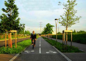 nouvelles pistes cyclables entre le parc technologique et le parc de Parilly