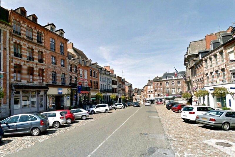 AVESNES-La Grand-Place1