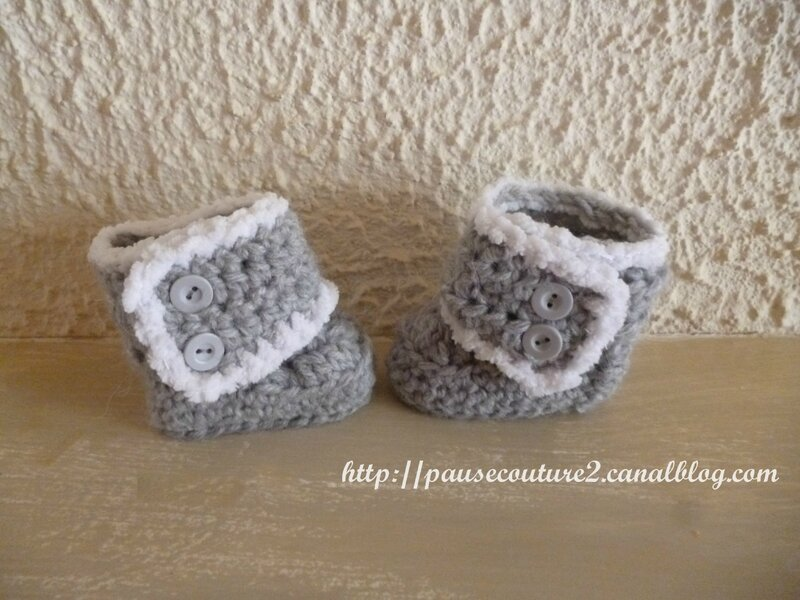 Chaussons Ugg gris (1)