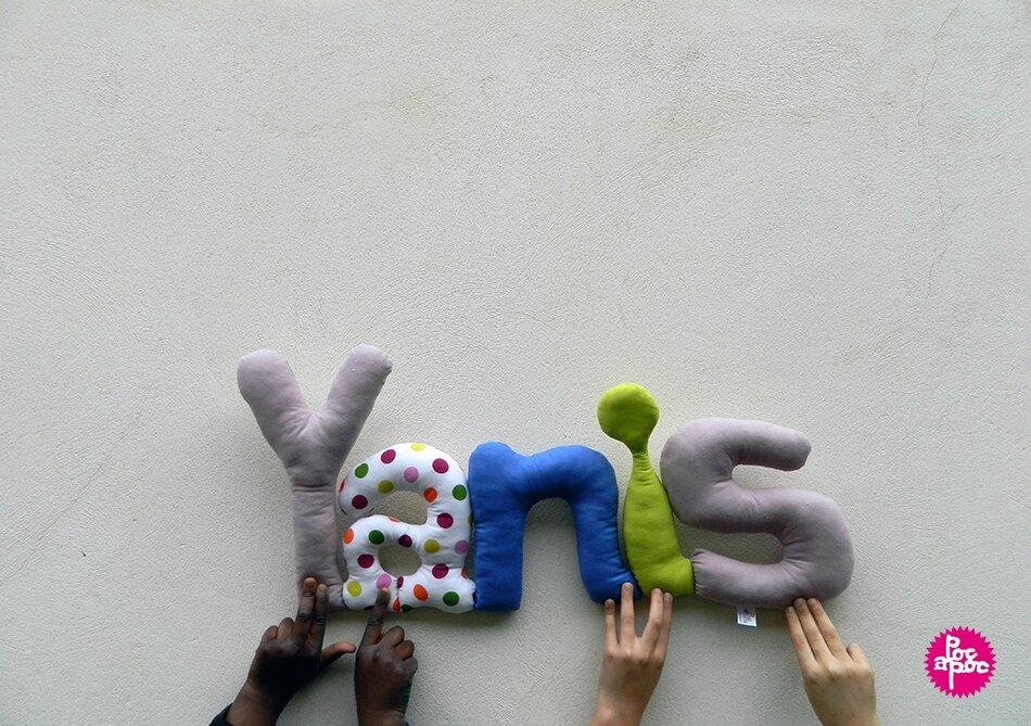 yanis,mot en tissu,mot decoratif,cadeau de naissance,decoration,chambre d'enfant,cadeau personnalise,cadeau original,poc a poc,blog