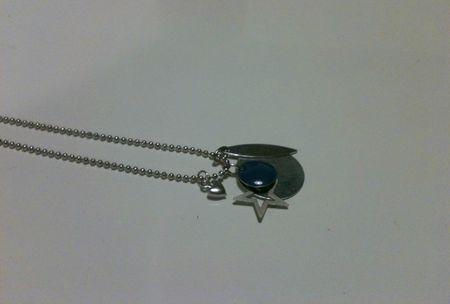 Collier Breloque Bleu Etoilé