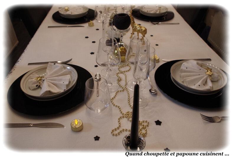 table du nouvel-an éclat d'or et noire-1305