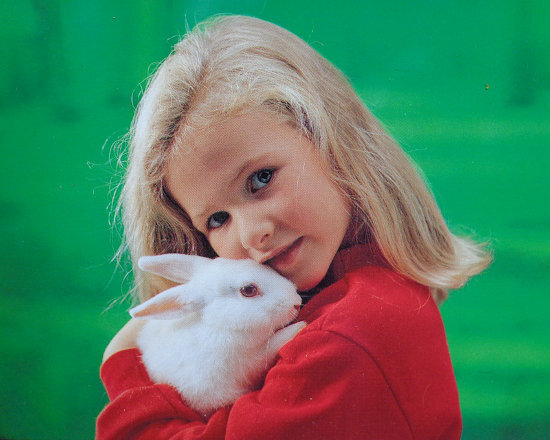 petite fille lapinmin