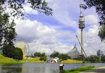 munich_olympic_park_lake450
