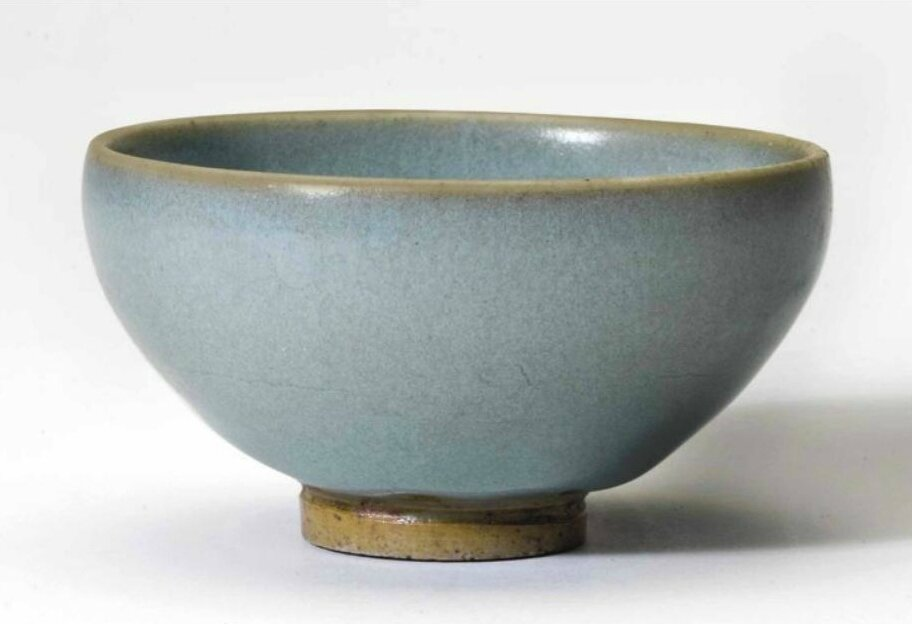 A small Jun 'bubble' bowl, Northern Song-Jin dynasty (960-1234)