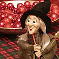 E' arrivata la befana- the old lady arrived on her broom- la vieille d ame est arrivée