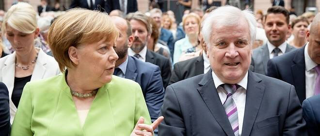 15493496lpw-15493589-article-merkel-seehofer-jpg_5351893_660x281