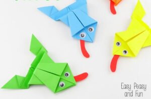 Make origami a croaking frog Royalty Free Vector Image | 198x300