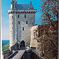 Chinon 2 - Château - Tour de l'horloge 35 m de haut