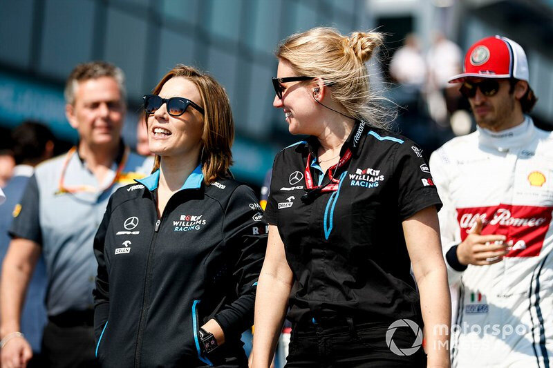 baku f1 2019 claire and sophie ogg
