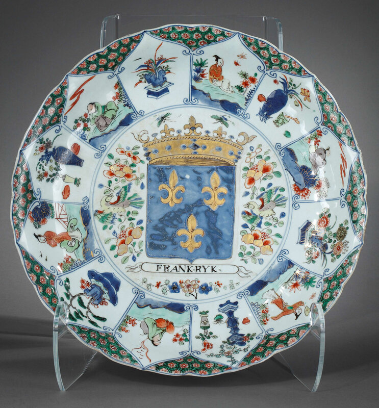 Chinese 'famille verte' porcelain Dish with Kingdom of France armorial, Kangxi period (1662-1722)