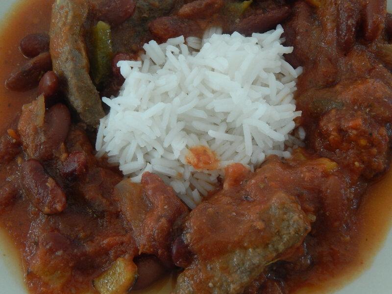 chili con carne /riz
