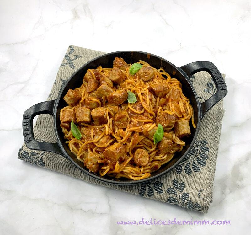 Spaghetti à la sauce tomate et aux chipolatas de Cyril Lignac 5