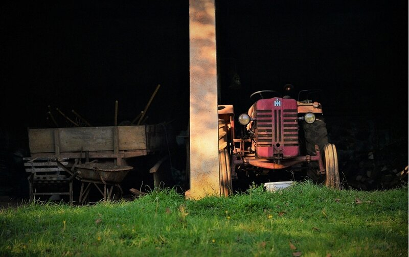 Tracteur_vieux_et_remorque_Orgedeuil_Nov_2017