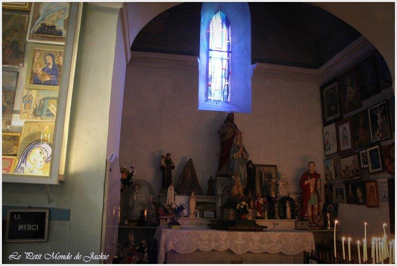 Intérieur chapelle 1